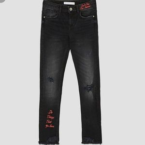 Zara Black Skinny Mid Rise Jeans w Red Embroidery